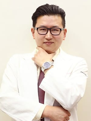 クリニックビザリア銀座 ビョン・ヒョンソブ先生